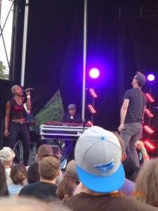 Fitz and the Tantrums taunting us to DANCE! (photo: Carissa Hickling)