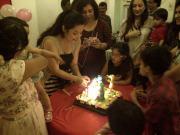 2013-09-26-Mumbai-Aisha'sBday01000-ClaudiaCake