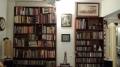 Twin bookshelves - famous (left) + newbie (right)