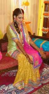 Bride showing off her Mehndi