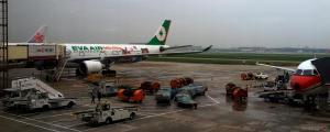 Haneda Airport - Hello Kitty plane?