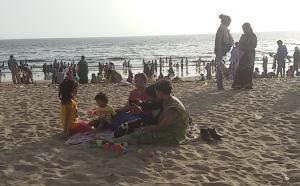 20150503_JuhuBeach Family