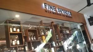 La Maison du Whisky Singapore (Whisky Lady)