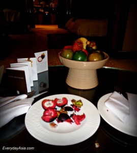 Hotel fruit plate