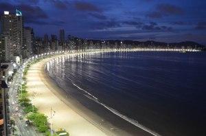 Balneario Camboriu at night (praias-sc.com)
