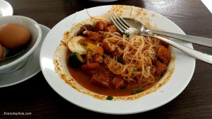 2016-11-11-singapore-breakfast
